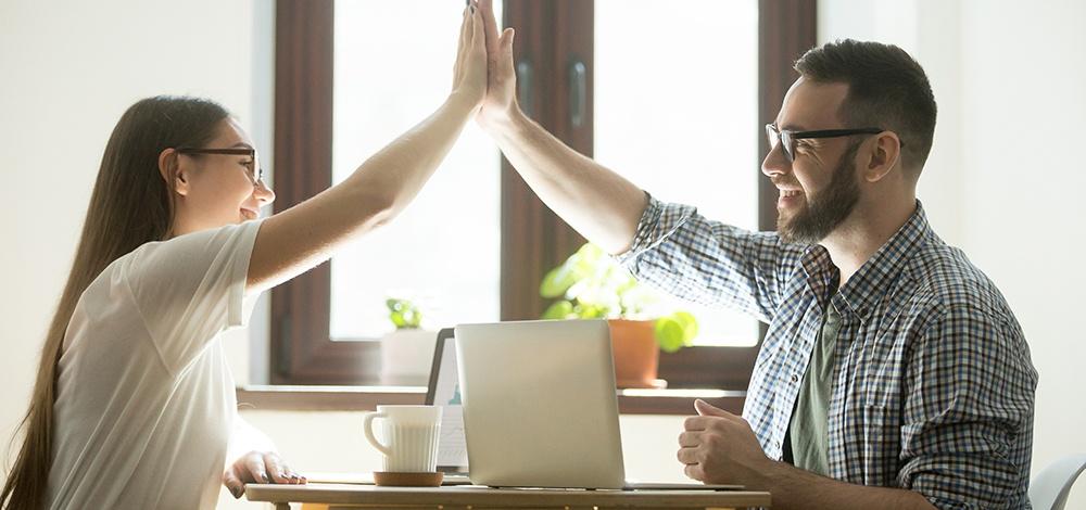 8 fatores críticos para implementar um programa de reconhecimento de sucesso.