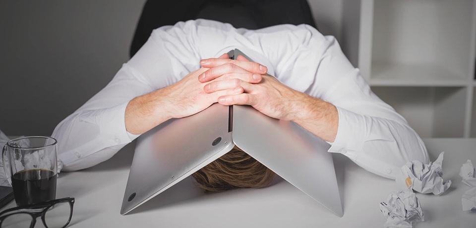 Você tem Employee Burnout no seu radar? Porque é tão importante para os líderes do RH